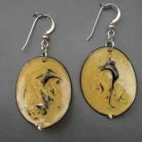 Golden oval and black jerrines earrings